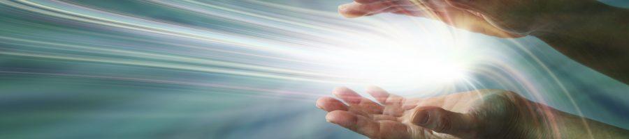 Energie zwischen die Hände